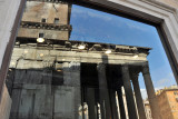 Portico of the Pantheon reflected in a boutique window