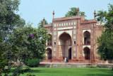 The entrance to the Tomb of Jahangir leading east from the Akbari Sarai Quadrangle