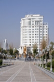 Walkway from the Independence Monument to the Turkmenbashy statue