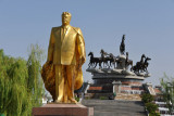 Turkmenbashy statue at the Ten Years of Independence Monument