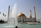 Fountains in front of the Turkmenbashy Ruhy Metjidi