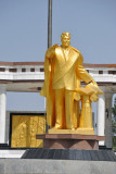 Golden statue of President Niyazov
