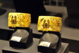 Chinese gold, Shoppes at Marina Bay Sands