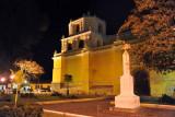Iglesia de Nuestra Señora de la Merced at night