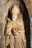 Statue on the façade at Colegio de San Jerónimo