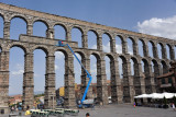 At Plaza Azoguejo, the aqueduct is up to 28m/93ft high