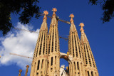 Sagrada Família will have 18 towers (12 Apostles + 4 Evangelists + Mary + Jesus)