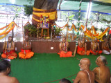 47 All Jeeyars along with Ananthaazhwan.jpg