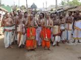 Garuda Sevai Ghosthi-Mundram Tiruvandhaathi.JPG