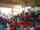 15_2011_Srivilliputtur_Thiruvaadipuram_Day08_Afternoon_SrivaishnavaasEnjoyingNaamaSankeerthanamInFrontMandapam.JPG