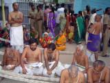 18_2011_Srivilliputtur_Thiruvaadipuram_Day09_Evening_ThirumozhiGoshtiInFrontOfTher.jpg