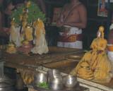 PugaiMazhisai Iyan with Perumal During Tirumanjanam.JPG