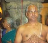 Nenju Niraiya Kai Koopi Nirkum Adiyavar-Sri U.Ve Tirumalai Vinjamoor Vaasudevaachaar.JPG