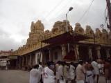 14_Reaching YatindraPravanar Sannidhi.JPG