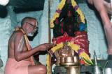 11. Srimadh Azhagiyasingar performing Serthi Thiruvaradhanam for Malolan Moolavar and Uthsavar-1994-2.jpg