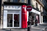 Tesla dealership at 41, Avenue Kleber
