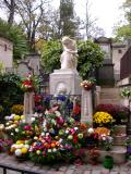 Chopin's grave people bring floweres everyday
