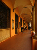 Strolling under the porticoes