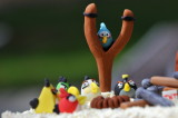 Angry-bird birthday cake