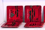 Red/black plates