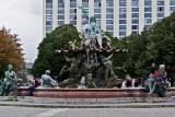 Berlin - Neptune Fountain-DSC_5135-800.jpg