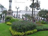 Parque frente a Palacio Nacional