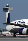 DELTA BOEING 737 800 JFK RF IMG_4766.jpg