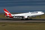 QANTAS AIRBUS A330 200 SYD RF IMG_8941.jpg