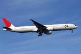 JAPAN AIRLINES BOEING 777 300ER JFK RF IMG_3796.jpg