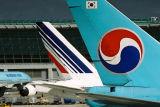 KOREAN AIR FRANCE TAILS ICN RF.jpg