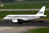 SAS AIRBUS A319 DUS RF IMG_6693.jpg