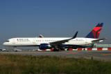 DELTA BOEING 757 200 JFK RF IMG_7445.jpg