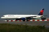 DELTA BOEING 757 200 JFK RF IMG_7453.jpg