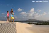 Casal na praia do Cumbuco, Caucaia, Ceara 8377.jpg