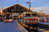 At Marseille Saint-Charles, the BB22350 is waiting for the departure to Lyon.