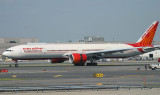 Air India 777-300 arriving on JFK RWY 31R