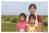 Birmane avec filles Bagan.