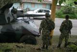 Hasta con tanques en la ruta