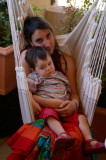 Florian et maman dans le hamac P8069