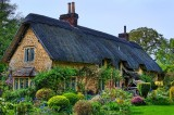 Olde English cottage (25441)