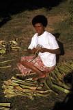 Preparing pandanus leaf