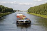 containerschip op het Julianakanaal