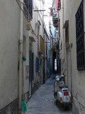 lane in cefalu