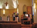 The girls accompany at mass