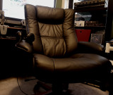 IMG Reclining Windsor Chair