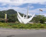 Twa Zwazo (Three Birds) Monument