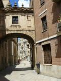 Valencia: Una calle antigua / an ancient street