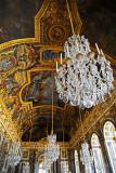 Plafond et lustres de la galerie