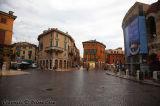 Looking at Via Mazzini from Piazza Brà