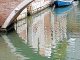 Riflessi con la barca blu -1160254.jpg